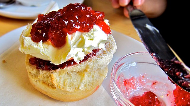 5 Quintessential British Foods to try